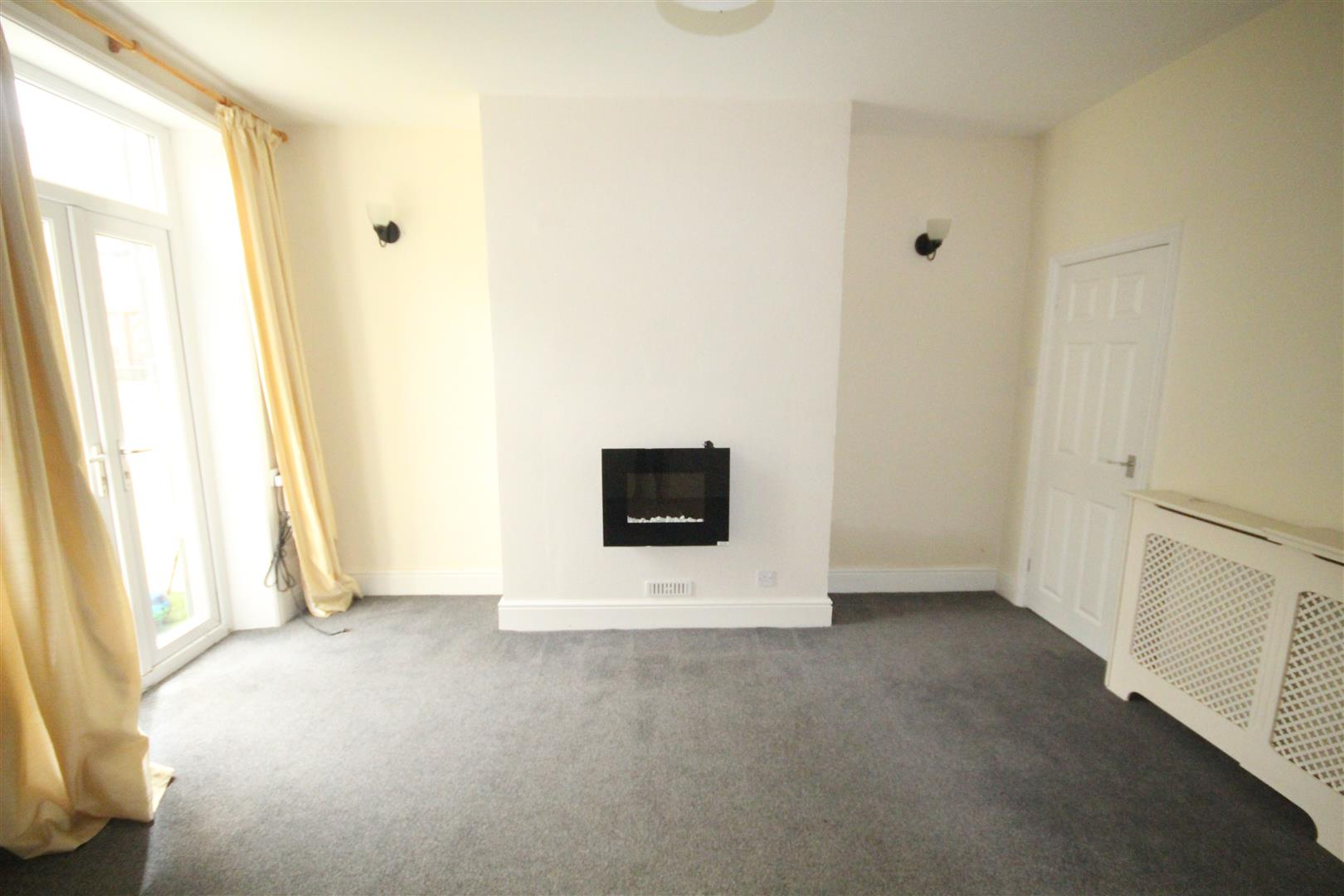2 bedroom end terrace house To Let in Earby - Property photograph